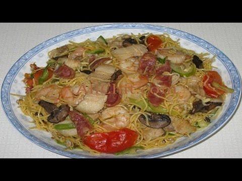 How to Make Stir-Fried Noodles with Shrimp